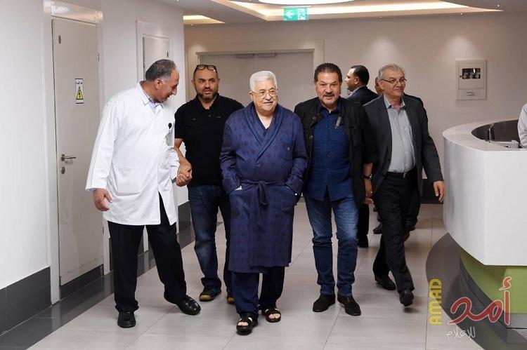 د.بطراوي مع الرئيس عباس في مشفى رام الله