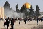 """القدس: شرطة الاحتلال تهاجم المصلين في """"المسجد الأقصى"""""""
