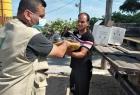 العمل الزراعي يوزع أسمدة عضوية على مزارعي العنب والخضار في قطاع غزة