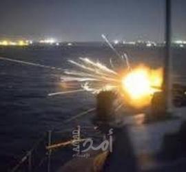 زوارق الاحتلال تهاجم نقاط عسكرية وشاطئ بحر قطاع غزة
