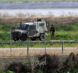 قوات الاحتلال تطلق النار تجاه شبان قرب السياج الفاصل شرق خانيونس