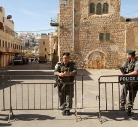قوات الاحتلال تمنع عمال ولجنة الإعمار من العمل في الحرم الإبراهيمي بالخليل