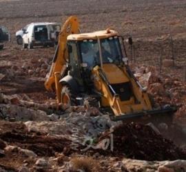 جيش الاحتلال يستولي على جرافة في مدينة سلفيت