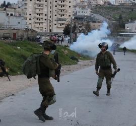 """قوات الاحتلال تعتدي على رئيس بلدية أم الفحم والنائب """"يوسف جبارين""""- فيديو"""