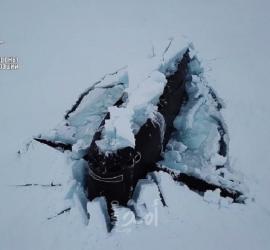 فيديو - للمرة الأولى ...ثلاث غواصات نووية تكسر الجليد وتطفو على السطح