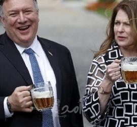 الحكومة الأمريكية تحقق في اختفاء زجاجة ويسكي أهدتها اليابان لبومبيو