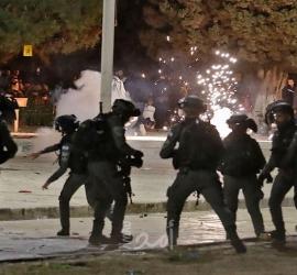 إصابات بعد تجدد المواجهات في الأقصى بعد اعتداء قوات الاحتلال على المصلين