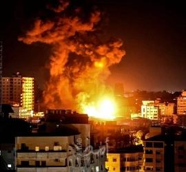 إعلام عبري: الجيش الإسرائيلي هاجم (65) هدفاً خلال نصف ساعة في غزة الليلة
