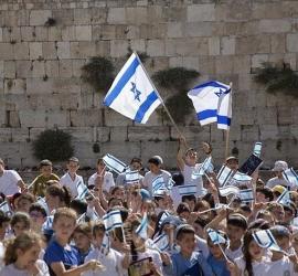 فصائل فلسطينية تحذر من إقامة مسيرة الأعلام وتدعو للتصدي لها