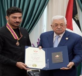 الرئيس عباس يعزي الشاعر مروان مخول بوفاة شقيقته