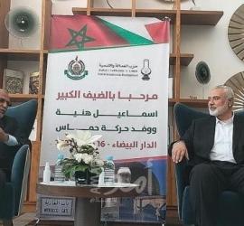 """المغرب: ناشط يعتزم مقاضاة العثماني بعد استقباله وفد حماس """"بلا كمامة"""""""
