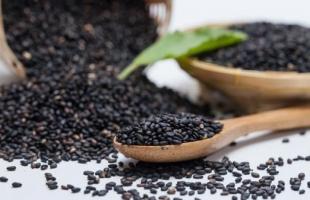 12 فائدة لـ حبة البركة على صحة الجسم
