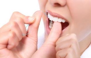 علاج اصفرار الأسنان بطرق منزلية