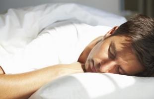 احذر مخاطر النوم فى الضوء