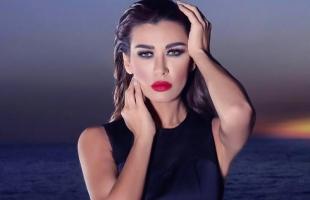 """تعرف على الفنانة """"نادين الراسي"""" التي أشعلت احتجاجات لبنان"""