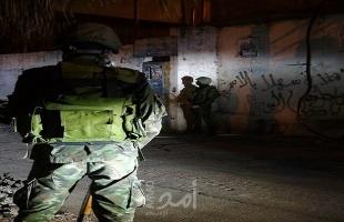 رام الله: أجهزة أمن السلطة تعتقل أسيرين محررين