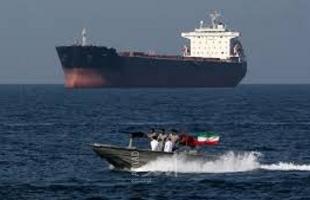 واشنطن تحث  السفن التي تمر في مضيق هرمز على تشغيل أجهزة التتبع باستمرار