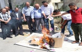 بالصور- وزارة الاتصالات بالخليل تتلف 2930 شريحة اتصال إسرائيلية كانت تروج بصورة غير شرعية
