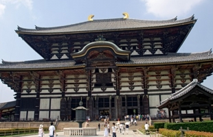 المعابد اليابانية تتحول لأماكن إقامة للسياح
