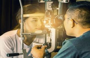مرض رؤية النفق البصري يؤدي لــ  السكتة الدماغية والصداع