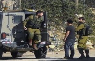 قوات الاحتلال تعتقل طفلين من مخيم العروب شمال الخليل