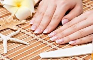 علاجات طبيعية مذهلة لكل من تعاني تكسّر الأظافر