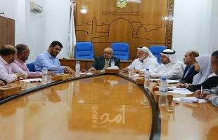 """غزة:""""لجنة التربية"""" تستمع لعدد من كوادر وزارة الصحة"""