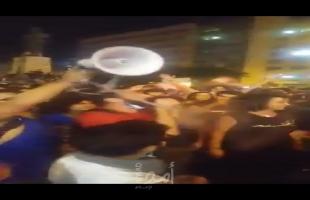 "لبنانيون يهتفون لفلسطين في تظاهراتهم ضد ""الضرائب"""