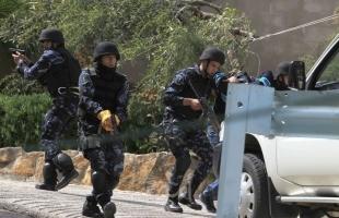 بيت لحم: إصابة شابين  ورجل أمن برصاص أجهزة السلطة في مخيم الدهيشة - فيديو وصور