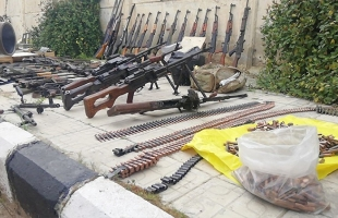سانا: العثور على أسلحة إسرائيلية في ريف دمشق (صور)