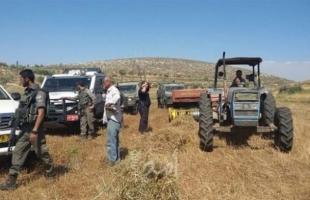 قوات الاحتلال تستولي على جرار زراعي جنوب طوباس