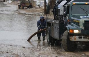 أشغال حماس تنقذ الصيادين من المد المفاجئ لبحر دير البلح بسبب المنخفض الجوي