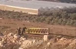 """بعد إغلاقها لـ(6) أيام.. قوات الاحتلال تعيد فتح بوابة """"مخيم الفوار"""" في الخليل"""