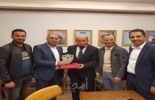 لجنة العلاقات العامة في تيار الإصلاح الديمقراطي تكرم الكاتب المصري مصطفى عمارة