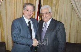 الرئيس عباس يتلقى اتصالاً هاتفياً من أمين الجميّل