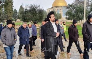 """القدس: مستوطنون يقتحمون """"الأقصى"""" بحراسة شرطة الاحتلال"""