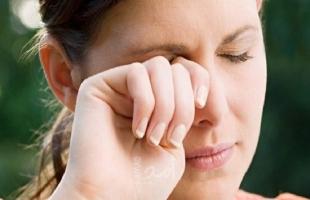 تحذير.. لمس الوجه قد ينقل عدوى الإصابة بفيروس كورونا