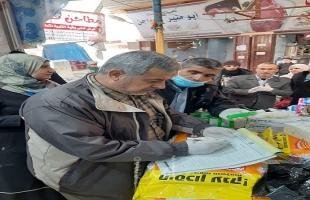 حرر 18 محضر ضبط واتلاف.. اقتصاد غزة ينظم 111 زيارة وجولة ميدانية لمراقبة الأسواق والمحال