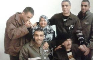 جيش الاحتلال يتعمد سياسة الإهمال الطبي بحق الأسير ناصر أبو حميد