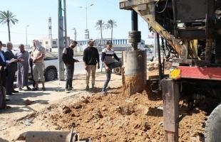 بلدية النصيرات تحفر بئر مياه جديد لسد حاجة المواطنين