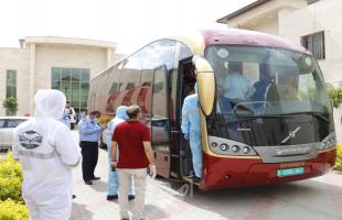 بدء وصول 270 مواطناً عالقاً في مصر إلى أريحا