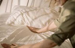 """تسبب أمراضا قد تكون مميتة... ما هي """"جراثيم السرير""""... وما طرق الوقاية منها؟"""