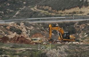 قوات الاحتلال تجرف أراضي في الساوية جنوب نابلس