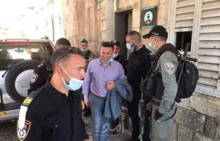 """سلطات الاحتلال تقرر إبعاد الحارس """"عبد الكريم القاعود"""" عن المسجد الأقصى"""