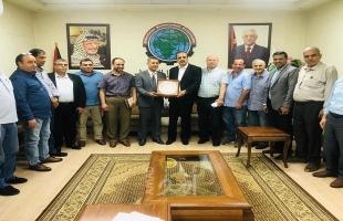 جمعية رجال الأعمال تبحث مع وكيل اقتصاد حماس النهوض بالأوضاع الاقتصادية