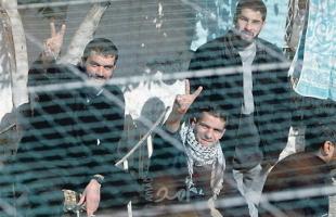 (5) أسرى يدخلون أعوامًا جديدة في سجون الاحتلال