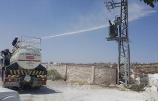 الطواقم الفنية في كهرباء القدس تباشر بعملية غسل شبكات الضغط العالي