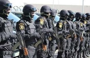 """رام الله: الأمن يمنع """"قضاة"""" من تنظيم وقفة احتجاجية..ومجلس القضاء يوضح"""