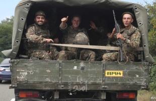 """""""الغارديان"""" تكشف تفاصيل نقل """"كتيبة الألف مرتزق"""" من إدلب إلى أذربيجان عبر تركيا"""