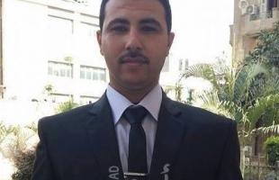 ياسر عرفات.. كوفية وبدلة خضراء